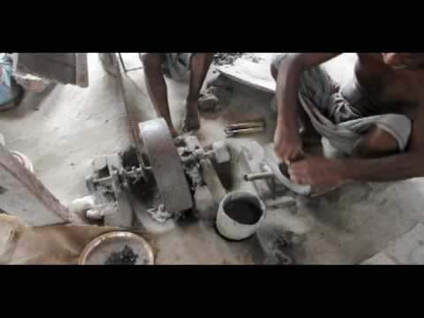 Bangladesh Metalwork – Hammering & Scraping.mov
