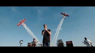 Eleanor Gray - Walking On The Clouds (Official video) feat. Grupa Akrobacyjna Żelazny