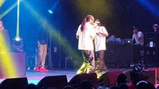 """Snoop Dogg performs """"Gin & Juice"""" live in Tucson, AZ"""