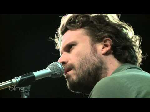 father-john-misty-hollywood-forever-cemetery-sings-bing-lounge-kink-radio