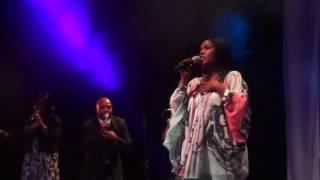 CeCe Winans - Pray - Live in London