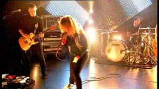 Paramore - Ignorance (live on T4)