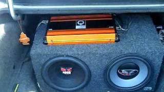 Car - AUDIO  SYSTEM . HUGE  Amplifier-BEAST , 3000 Watts , Quantum  . HUGE BASS