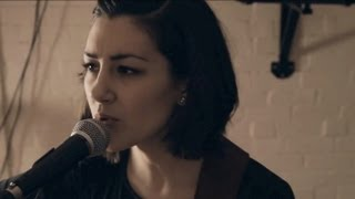 The Lumineers - Ho Hey (Hannah Trigwell acoustic cover)