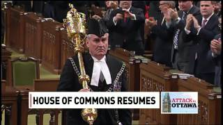 Sergeant-at-Arms Kevin Vickers receives standing ovation width=