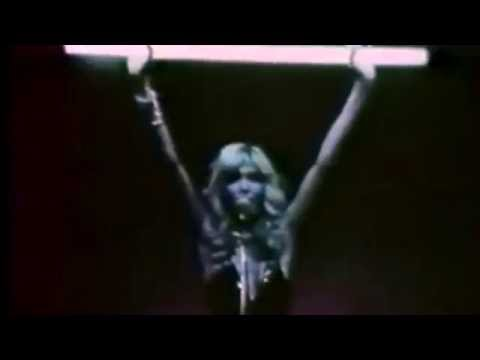 Black Holes de Amanda Lear Letra y Video