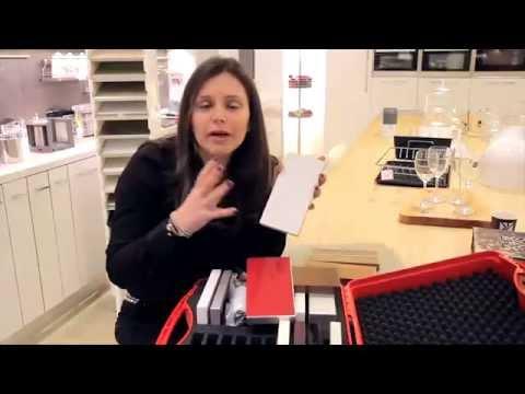 סרטון: מטבח מעוצב באמצעות החלפה או חידוש של דלתות המטבח