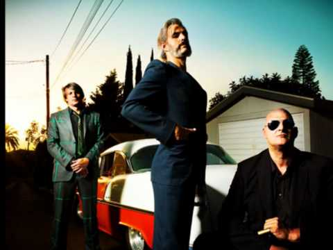triggerfinger-on-my-knees-corviniana