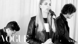 London Grammar – Hey Now (Live on Vogue)