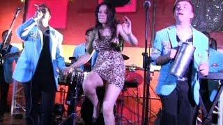 El silbidito del Amor-Grupo Maravilla de Robin Revilla,Salon Lazaros en vivo