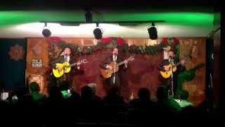 Una probadora del concierto de Los Panchos de Chucho Navarro Jr. en el Sapo Cancionero.