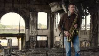 """BEATBoX SAX - """"Can't Help Falling in Love"""" - Solo Sax and Voice (no Overdubs)"""