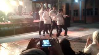 KEREEENNN!!! AKSI DANCE MABA STIKOM BANYUWANGI THN 2014
