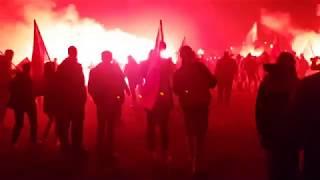Wszędzie czerwono od rac   Marsz Niepodległości - zakończenie