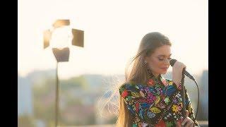ROXANA MAG - Deasupra de Timișoara   Cui îi dată dragostea   Eu mi-s floarea florilor