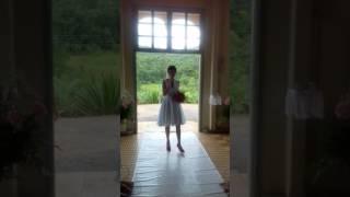 Noiva entra cantando Aleluia  (versão casamento )