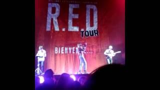 Tenny - Tout Va Bien Quand Tout Va Mal (Extrait), sur la scène du R.E.D Tour