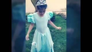 Júlia Martins em Clipe da Elsa/Frozen