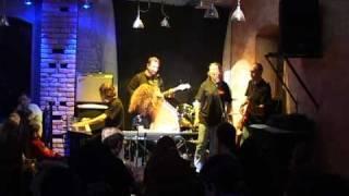 The Telnyuk Sisters - Thunderstorm (LIVE in Shynok, Ternopol' 12.22.2007)