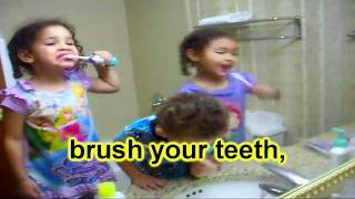 FUNNY GRANNY FARTS WHILE TEACHING KIDS HOW TO BRUSH THEIR TEETH