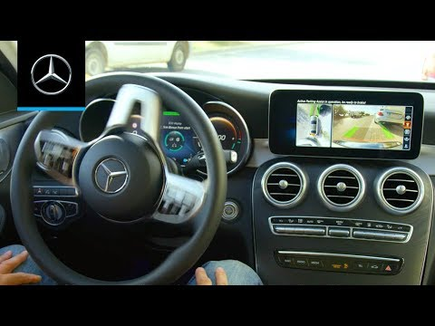 How to Use Active Parking Assist in the Mercedes-Benz C-Class (2019)