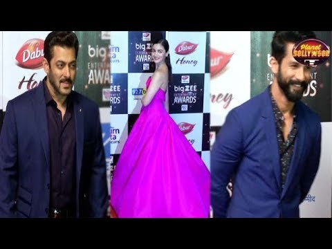 Salman, Shahid, Sushant, Alia, Amongst Others Spotted At An Award Show | Bollywood News