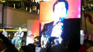 Boyce Avenue- Chasing Cars (Live at SM Megamall)