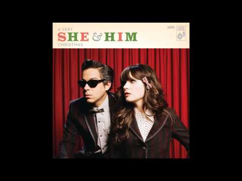 she-him-christmas-day-colin06