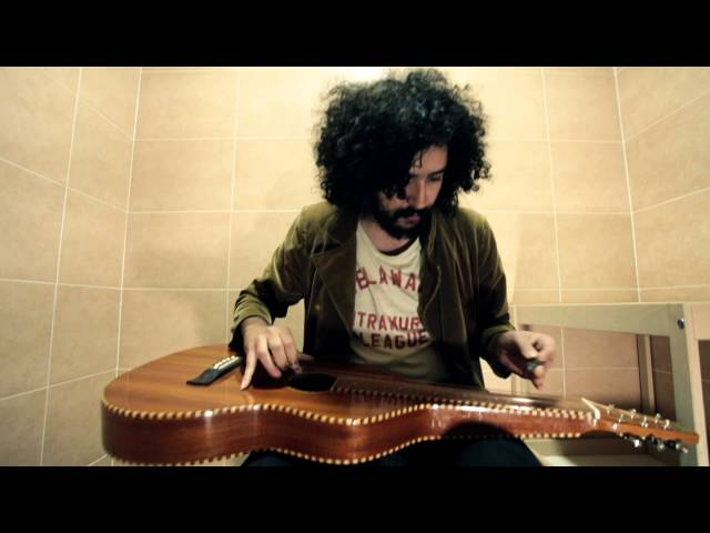 Video en acústico de Xisco Rojo para Water Tapes.