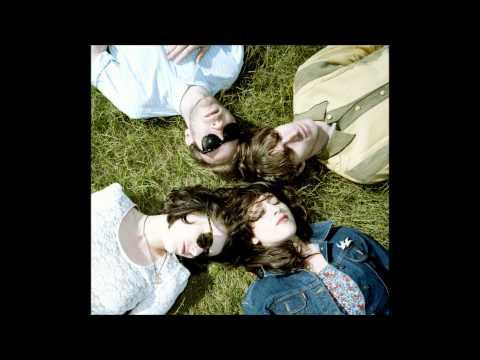 veronica-falls-my-heart-beats-blanket2183