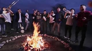 AUN ESTOY EN TI -  MEGAPUESTA FEAT KOMBO CON CLASE (VIDEO OFICIAL)
