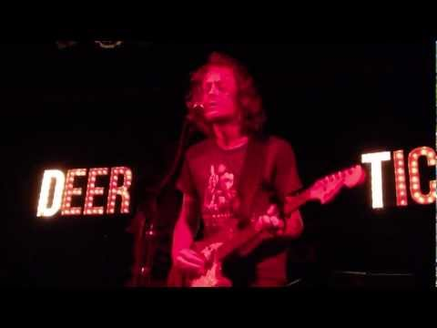 deer-tick-im-always-chasing-rainbows-art-isnt-real-city-of-sin-magic-bag-detroit-mi-robbwolf27