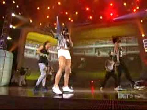 Nelly ft Ciara-Stepped on my j z,And Nelly ft fergie-party people LIVE ...