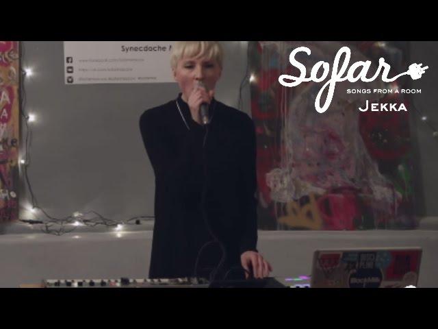 Video en directo de On and On de Jekka