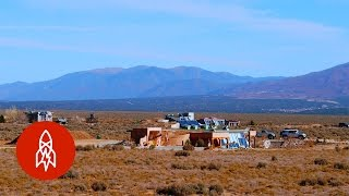 The Eco-Friendly Genius of 'Earthships' | That's Amazing