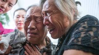 Emotional moment The long lost sisters from China broke down in tears as they met after 73 Years