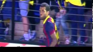 Dani Alves eat banana thrown from public(28.04.2014)