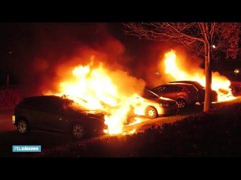 Zeven auto's in vlammen op bij zoveelste autobrand Nijmegen - RTL NIEUWS