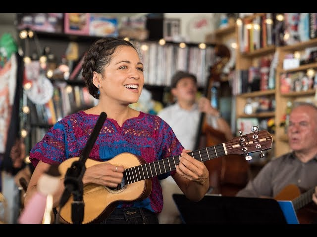 video Natalia Lafourcade Tiny Desk Concert