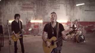 ANTONIS REMOS (FEAT. MANOS PIROVOLAKIS) - MPORI NA VGO | OFFICIAL Music Video (+LYRICS) HD