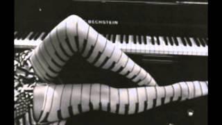 Vivo por Ella, Instrumental, VICTOR SKORUPSKI