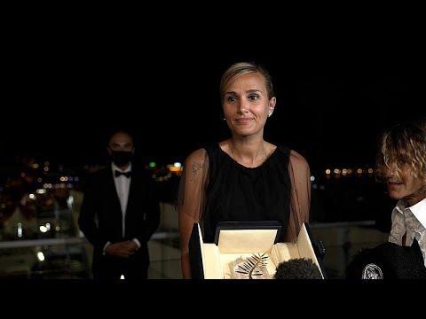 """Titane"" vence Palma de Ouro do festival de Cannes"