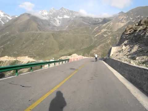 Cycling in Tibet Nepal Friendship Highway (Nyalam)