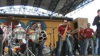 El prodigio Tema enamorado live in Santiago Kascada Agua park