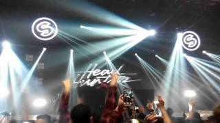 Hardwell & Headhunterz feat. Haris - Nothing Can Hold Us Down Live@OMNI