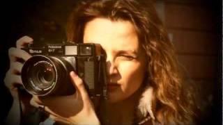 FRACOMINA-DONNE FORTI PER COSTITUZIONE-GABRIELLA/FOTOGRAFA-