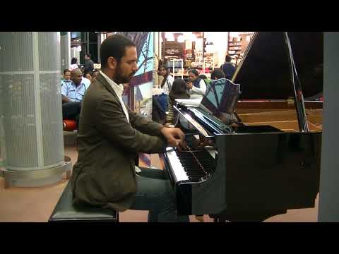 Piano at Mauritius Airport - Dave BRUBECK: Take Five