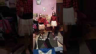 ŁOBUZY- Ona czuje we mnie piniądz ( Sandra i Zosia )