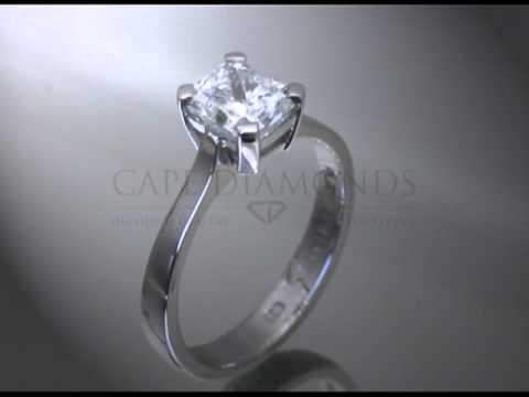 Princess cut,emerald cut diamond,plain band platinum,engagement ring