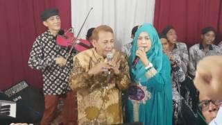 Duet Mesra Habib Luthfi Bin Yahya feat Istri Tercinta Momen Langka Ultah Ke-69 (12 Nov. 2016)